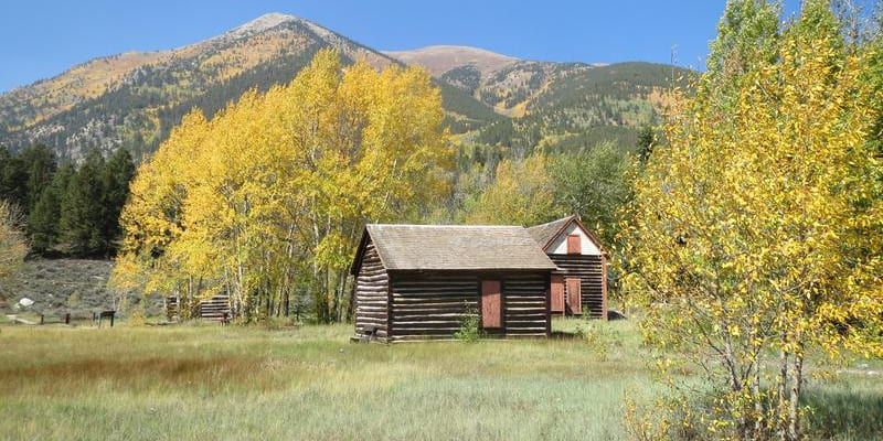Twin Lakes Ghost Town