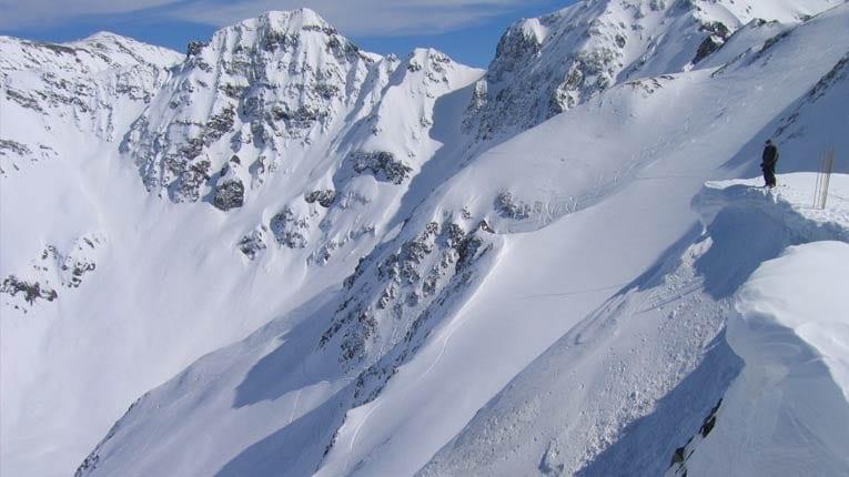 breckenridge heli skiing with Silverton Mountain on EN Anchorage Weekly Chalet Chamonix moreover Ski Rocky Mountains in addition Skiexpo also Banff Park Lodge also Kings Corn Alaska.