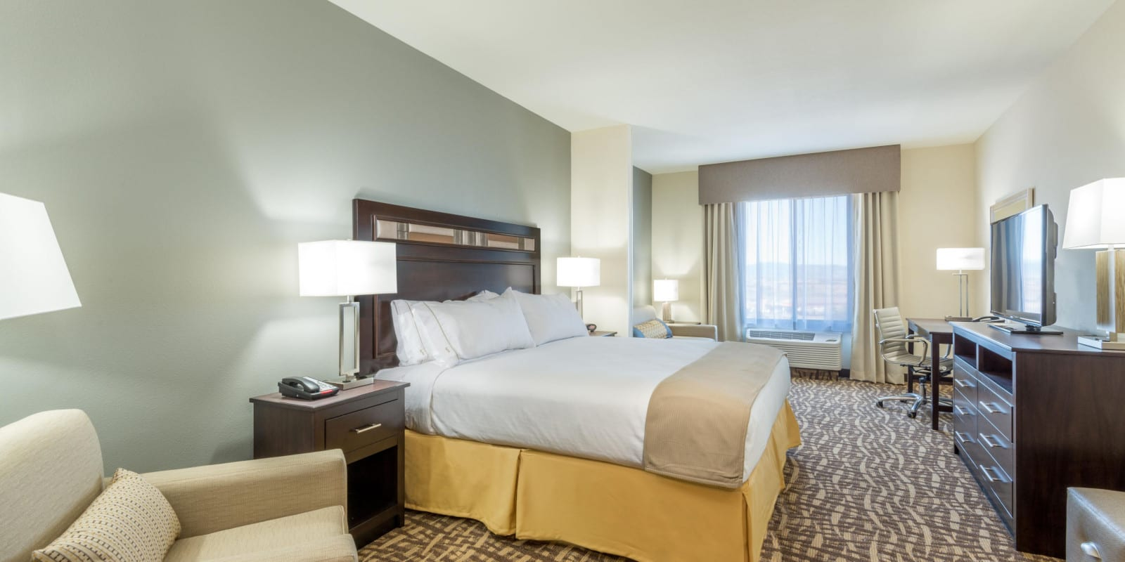 Best Hotel Castle Rock CO Holiday Inn Express Bedroom