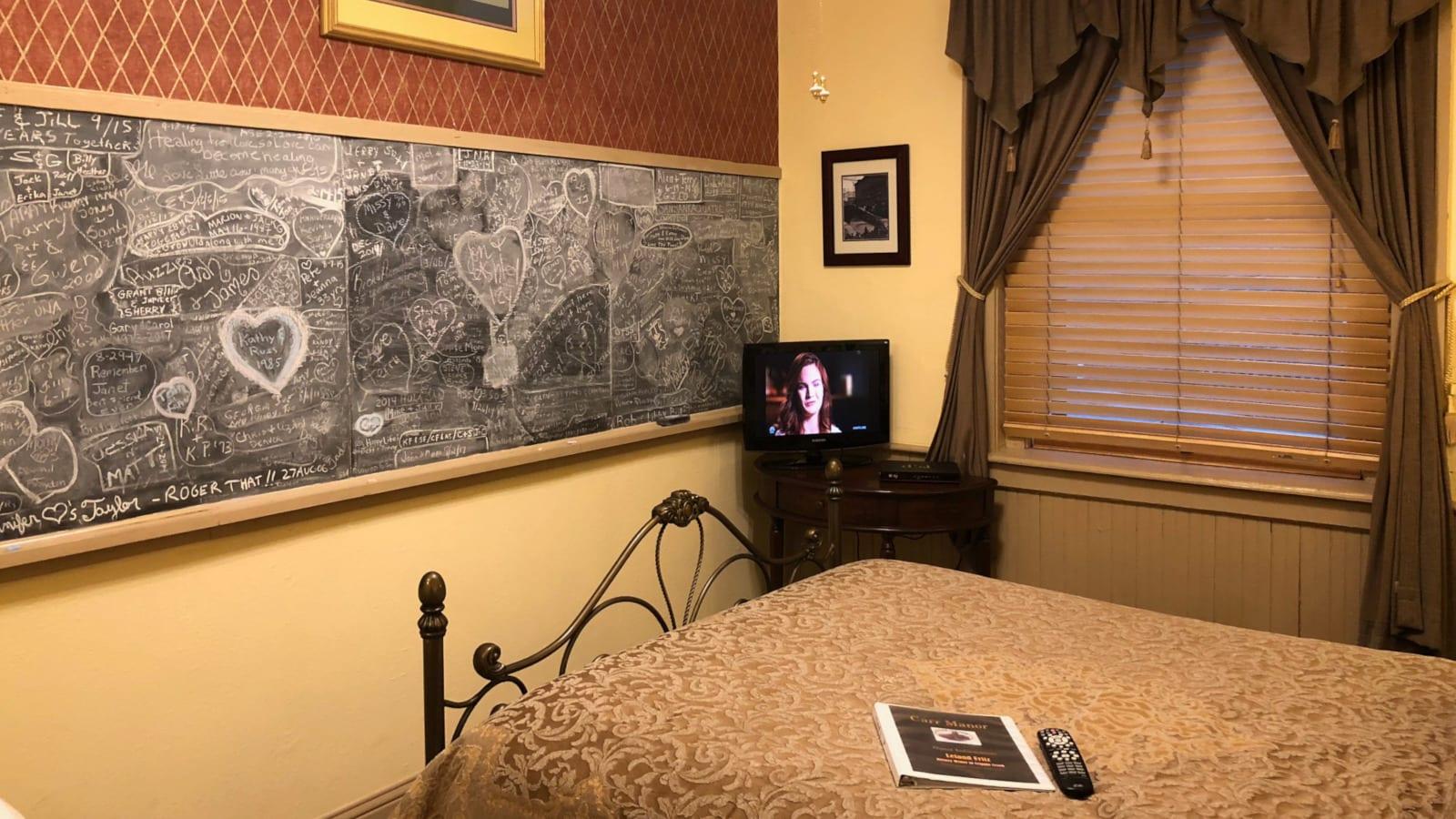 Best Hotels Cripple Creek CO Carr Manor Room