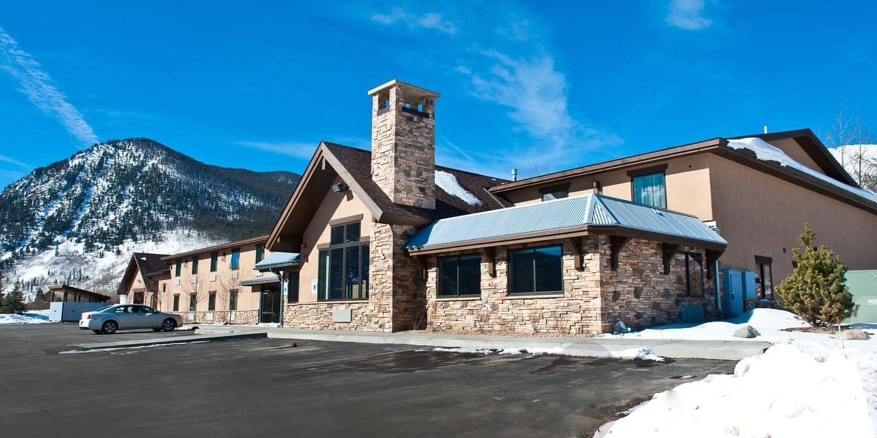Best Hotels Frisco CO Alpine Inn
