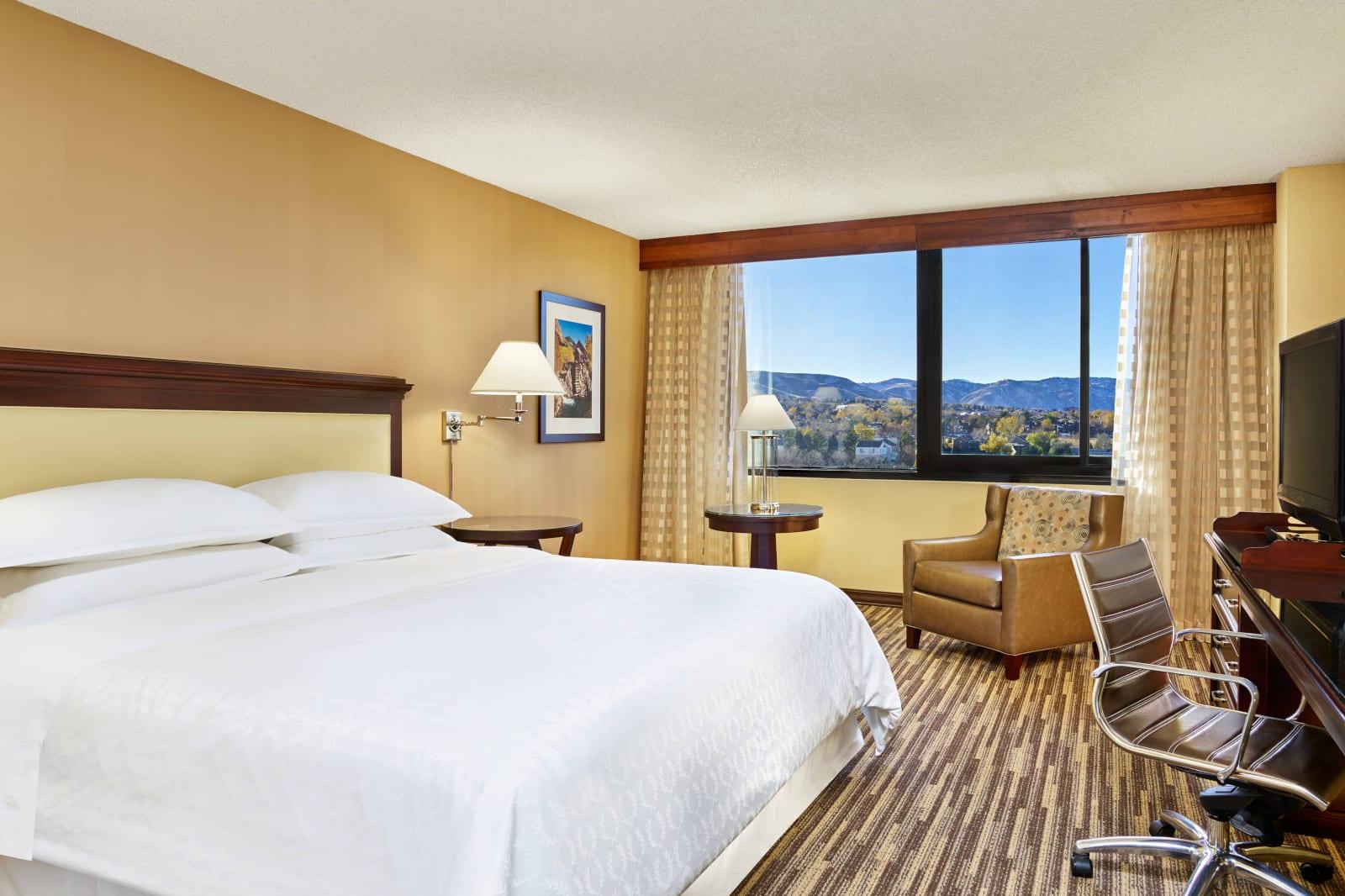 Best Hotels Lakewood CO Sheraton Denver West Standard King Room