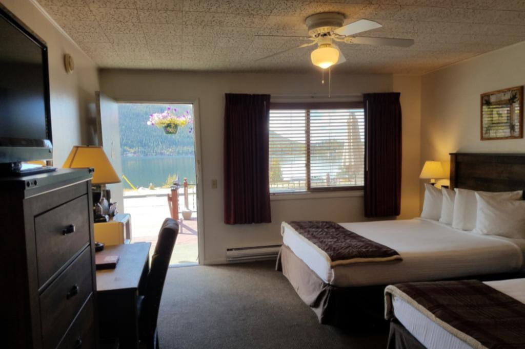 Best Hotels Grand Lake CO Western Riviera Lakeside Lodging Room