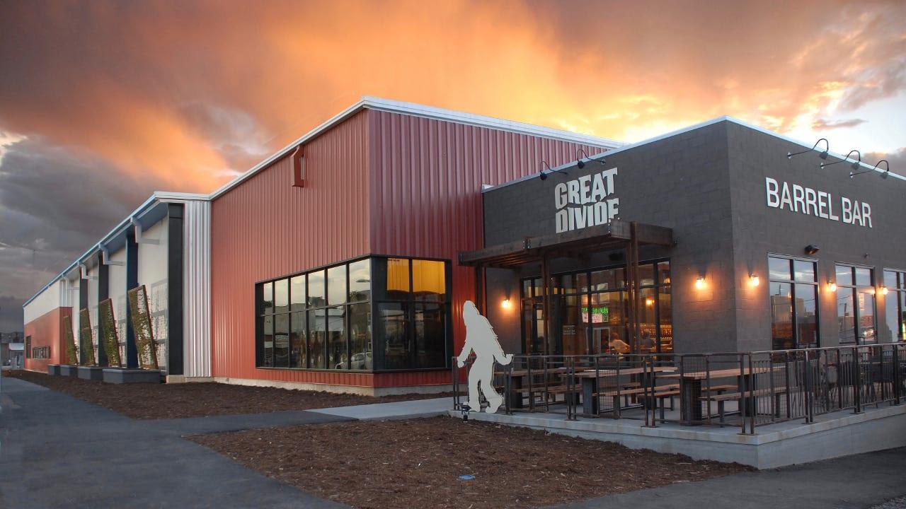 Great Divide Brewing Barrel Bar Denver Colorado