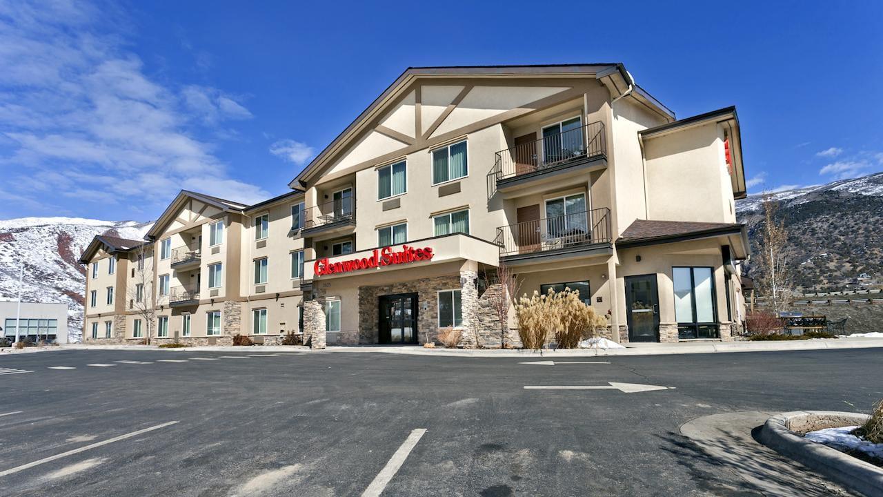 Glenwood Suites Glenwood Springs