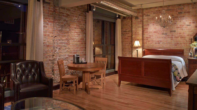 Hotel Denver Glenwood Springs Room Interior