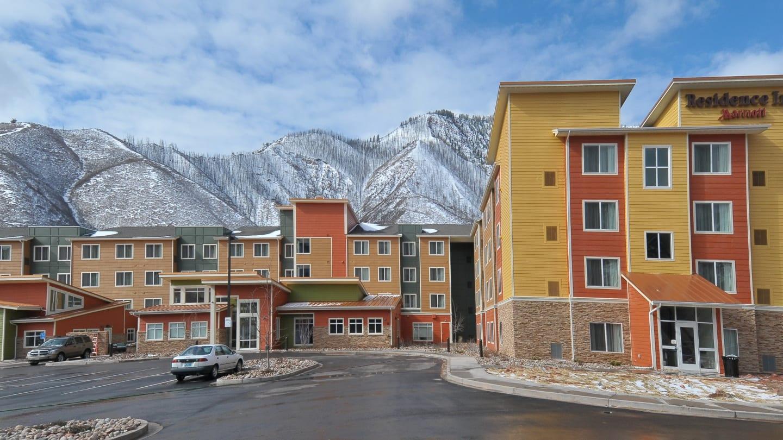 Top 18 Cool And Unusual Hotels In Glenwood Springs Colorado - The-unusual-cedar-residence