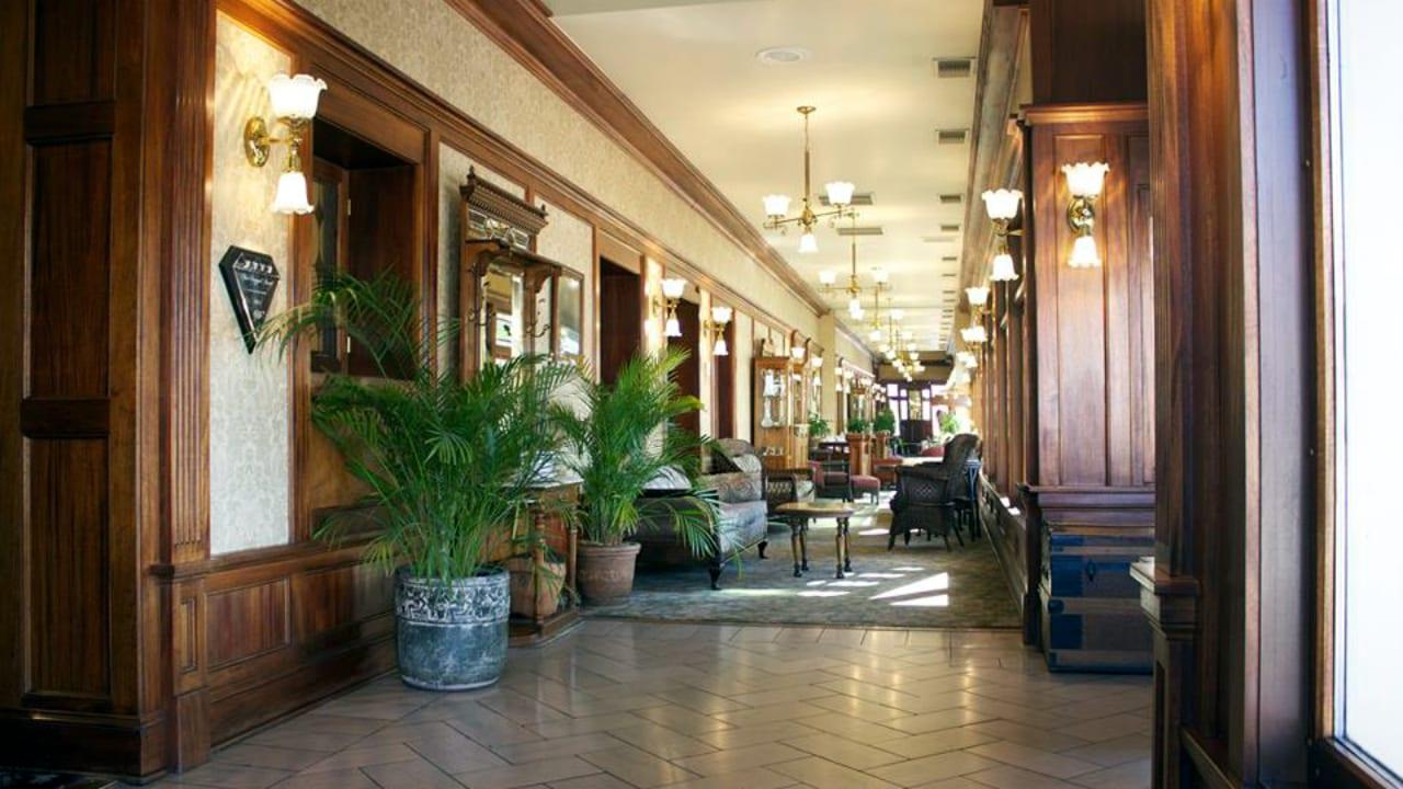 General Palmer Hotel Victorian Charm