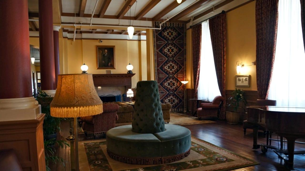 Hotel Colorado Glenwood Springs Lounge