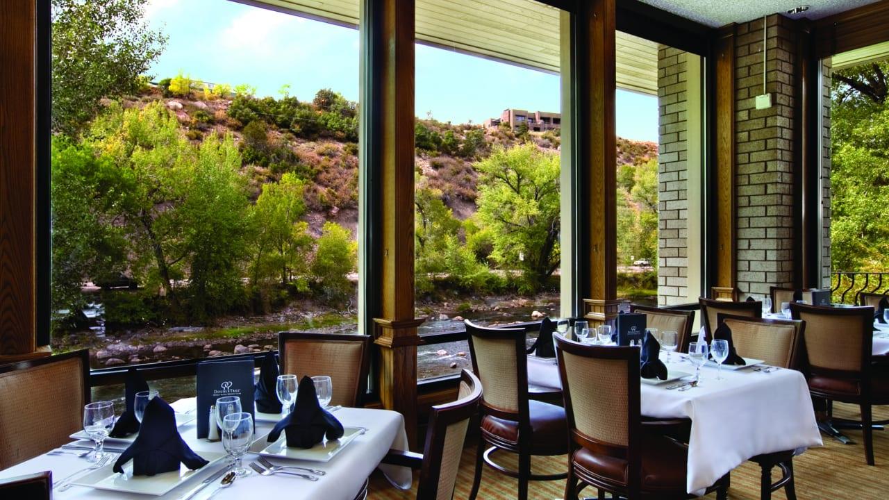 Dining DoubleTree by Hilton Hotel Durango