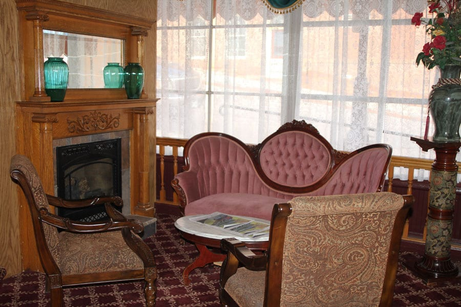 Imperial Hotel Cripple Creek Fireside Lounge
