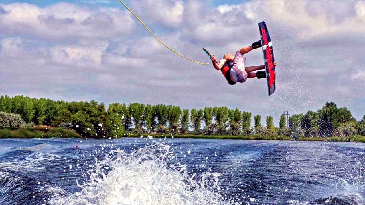 Never Summer Wakeboard