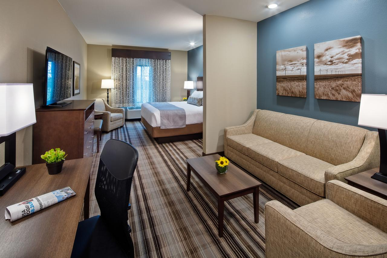 Fort Morgan CO Top Hotel Best Western Plus Overland Inn