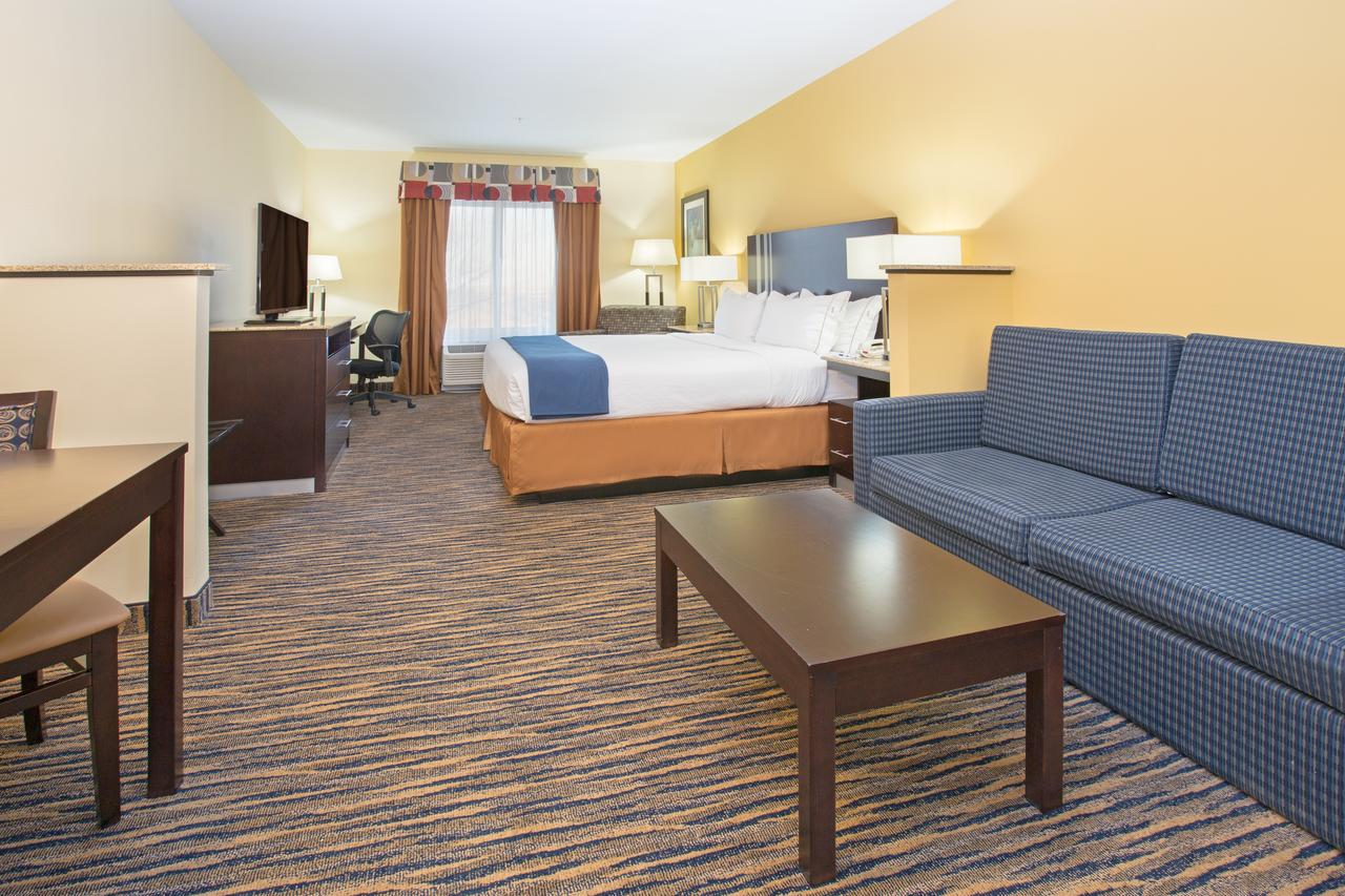 Thornton CO Hotel Holiday Inn Express and Suites