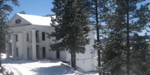 Woodland Park CO Top Hotel Pikes Peak Paradise Exterior