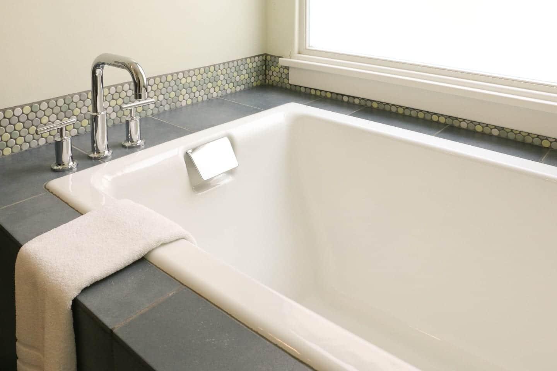 Armstrong Hotel Bedroom Bathtub Fort Collins