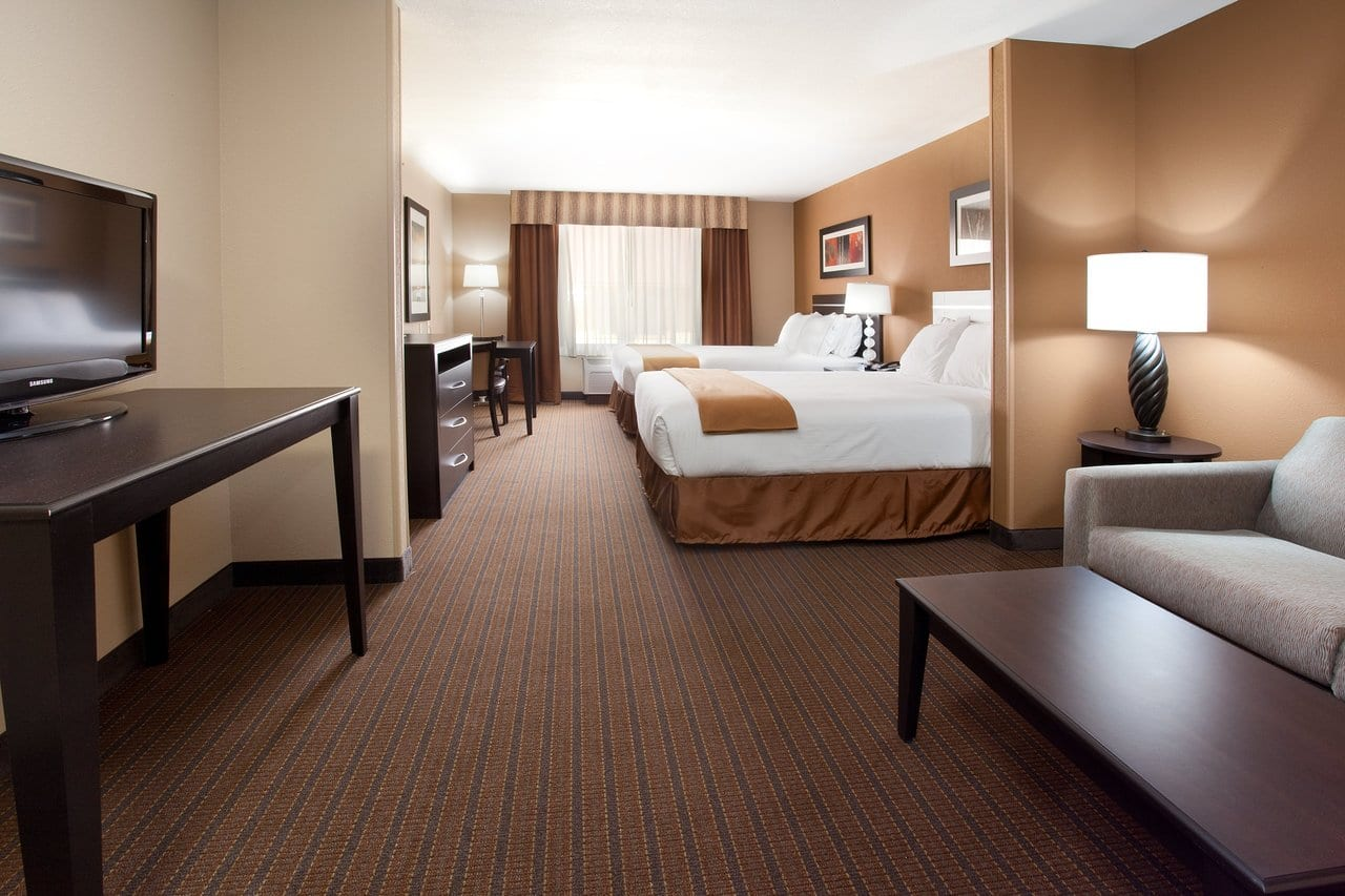 Holiday Inn Express Suite Room Lamar CO Top Hotel