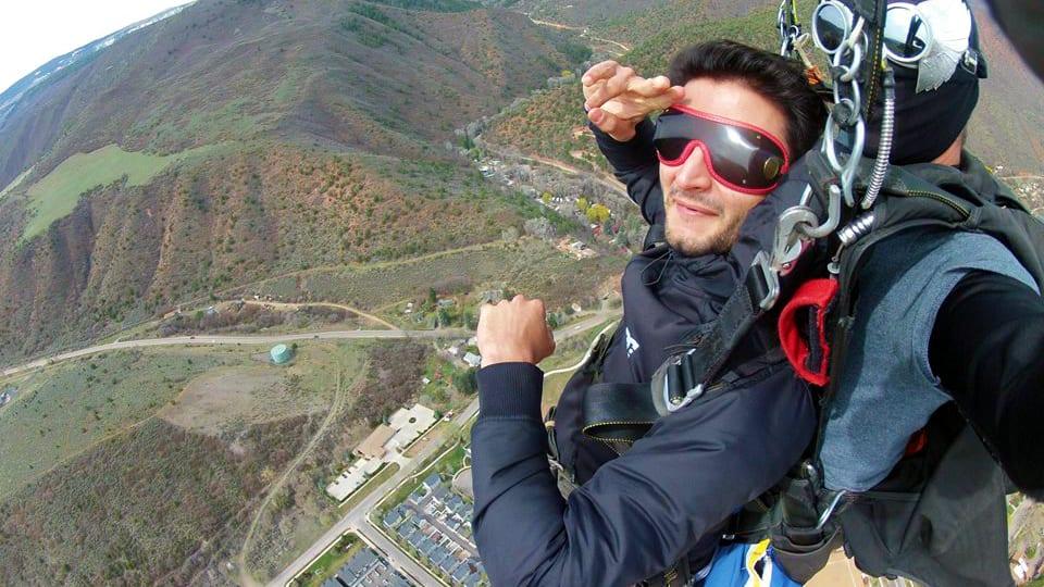 Roaring Fork Skydivers Salute
