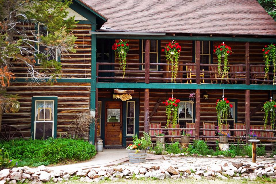 Cherokee Park Ranch Lodge Livermore Colorado