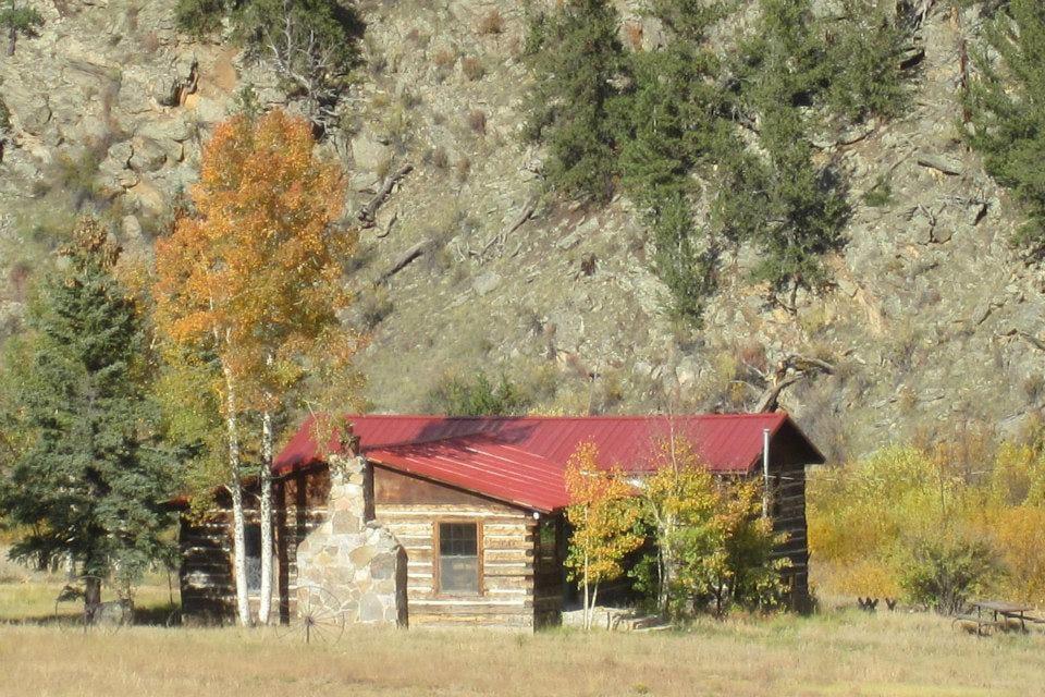 Tarryall River Ranch Lodge