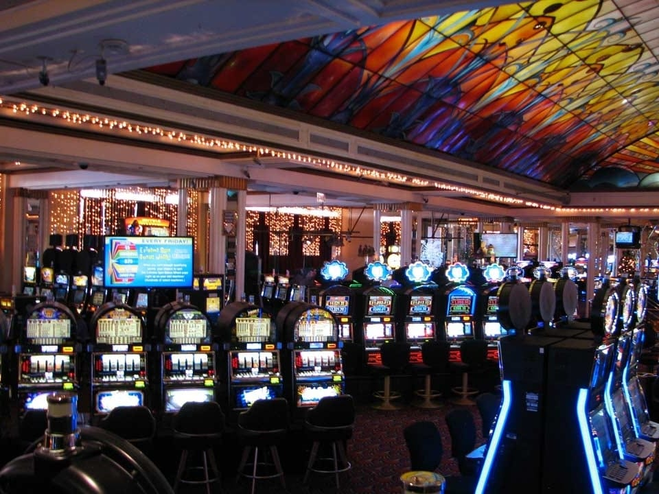 Double Eagle Hotel Casino Slot Machines