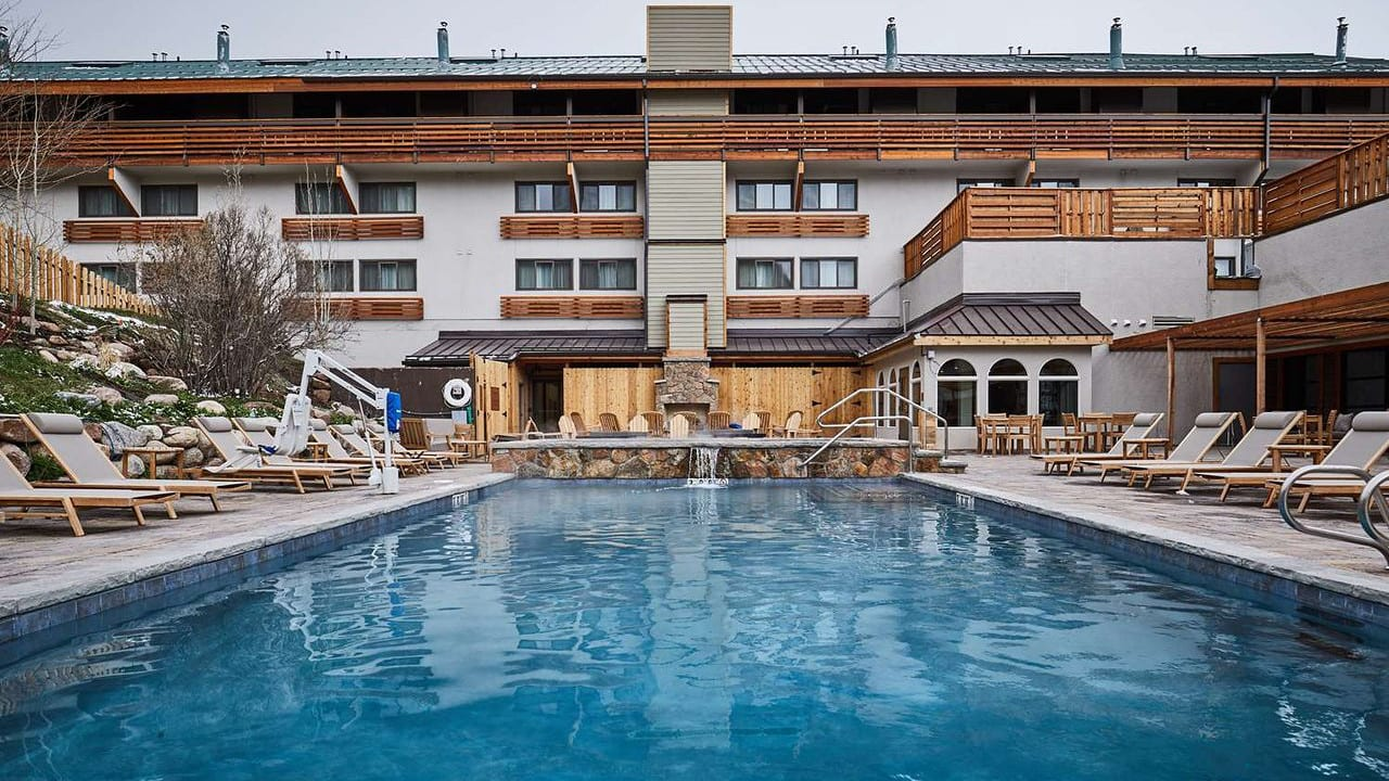 DoubleTree by Hilton Vail Exterior Pool