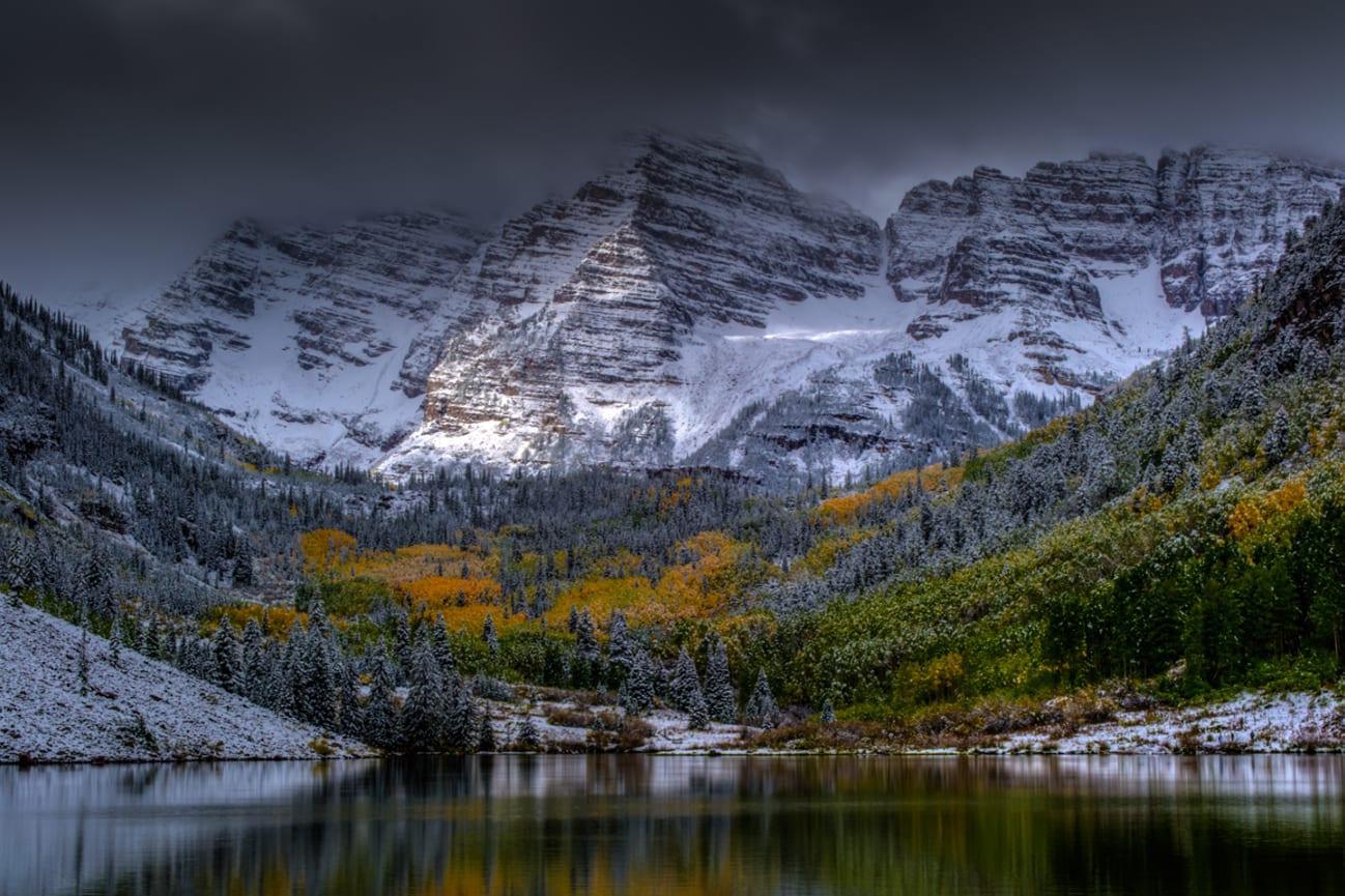 Natural Wonder Maroon Bells Mountains Lake Colorado