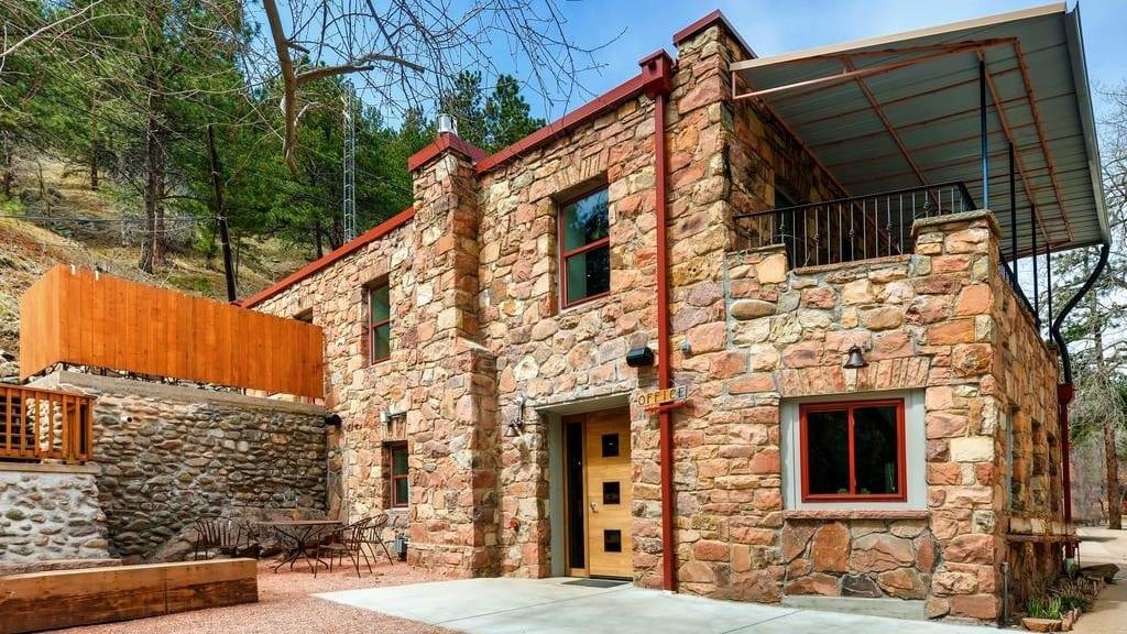 Boulder Adventure Lodge Boulder