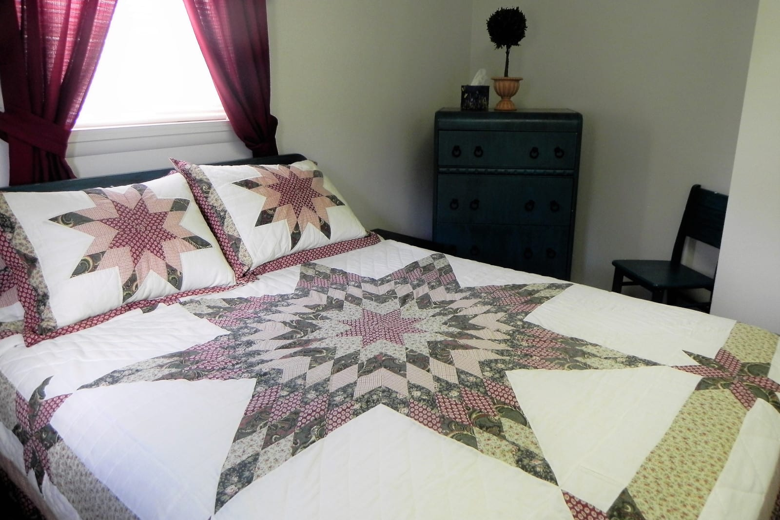 Best Creede Hotel House on Old Mill Road Bedroom