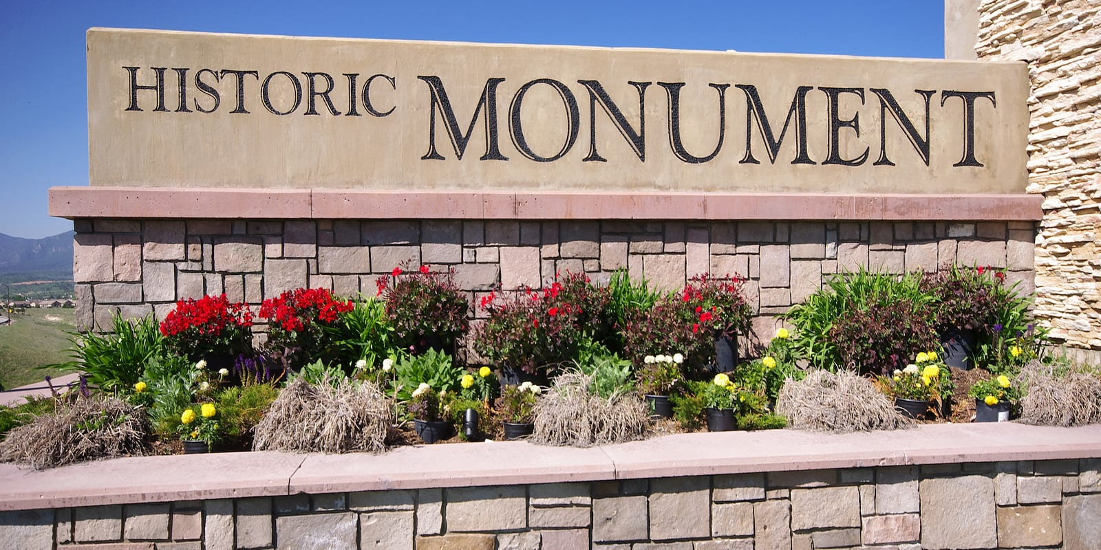Historic Monument CO Welcome Sign