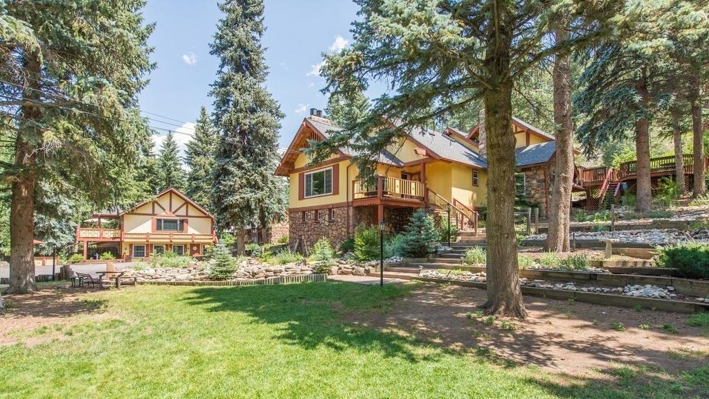 Alpen Way Chalet Mountain Lodge Evergreen
