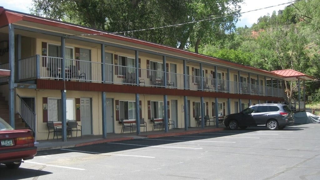 Pikes Peak Inn Manitou Springs