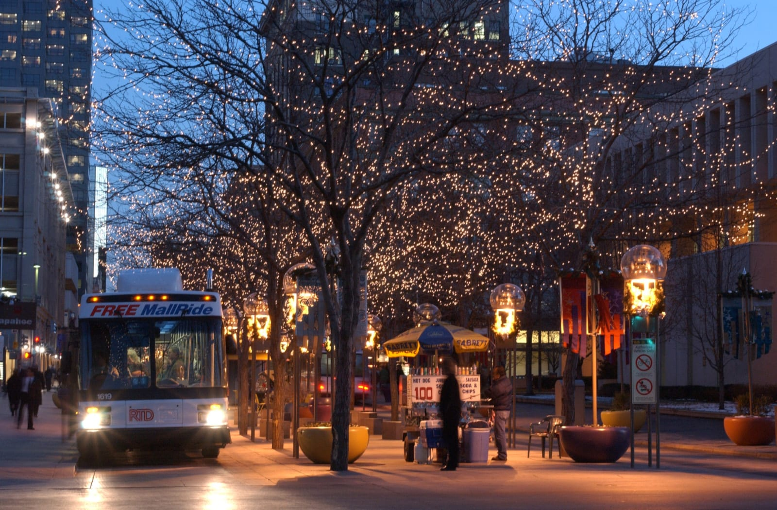 16th Street Mall Shuttle Bus Night Denver CO