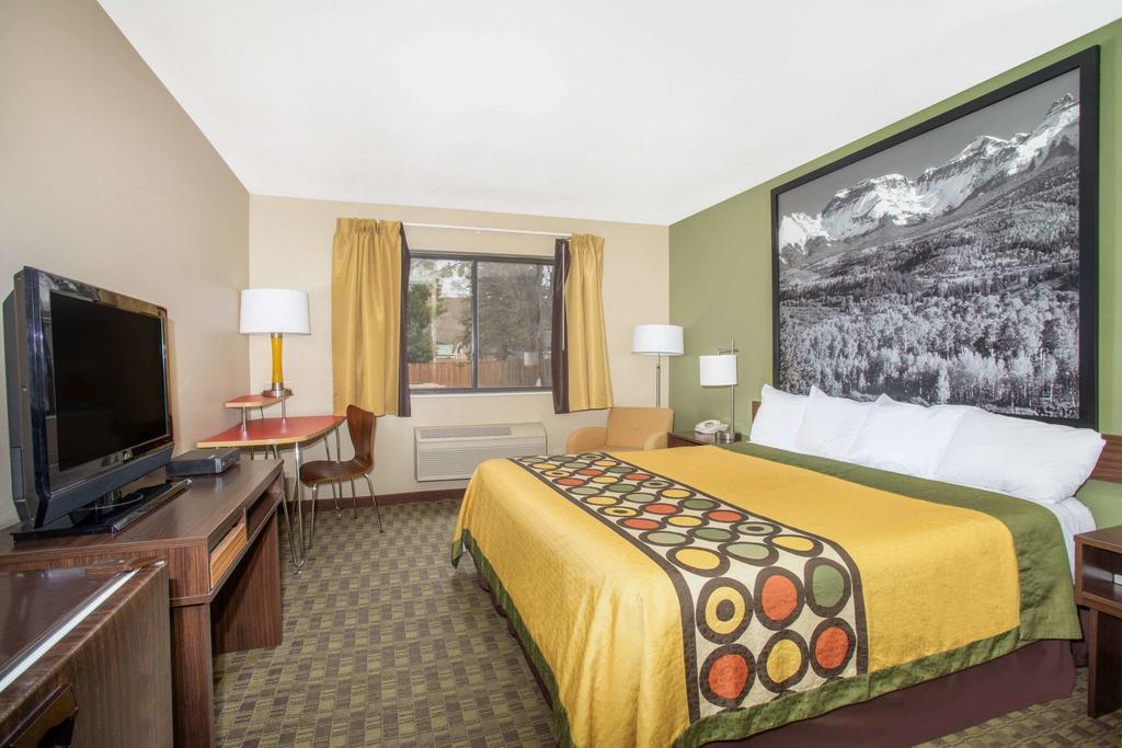 Super 8 Hotel Kremmling CO King Room