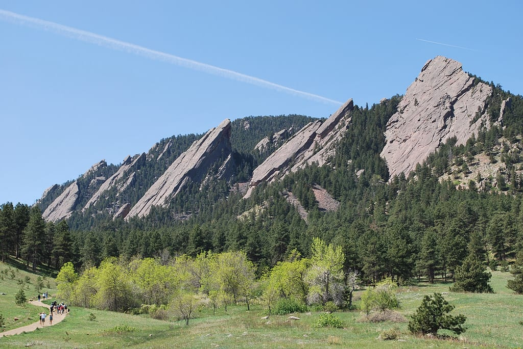 image of flatirons in Boulder, CO
