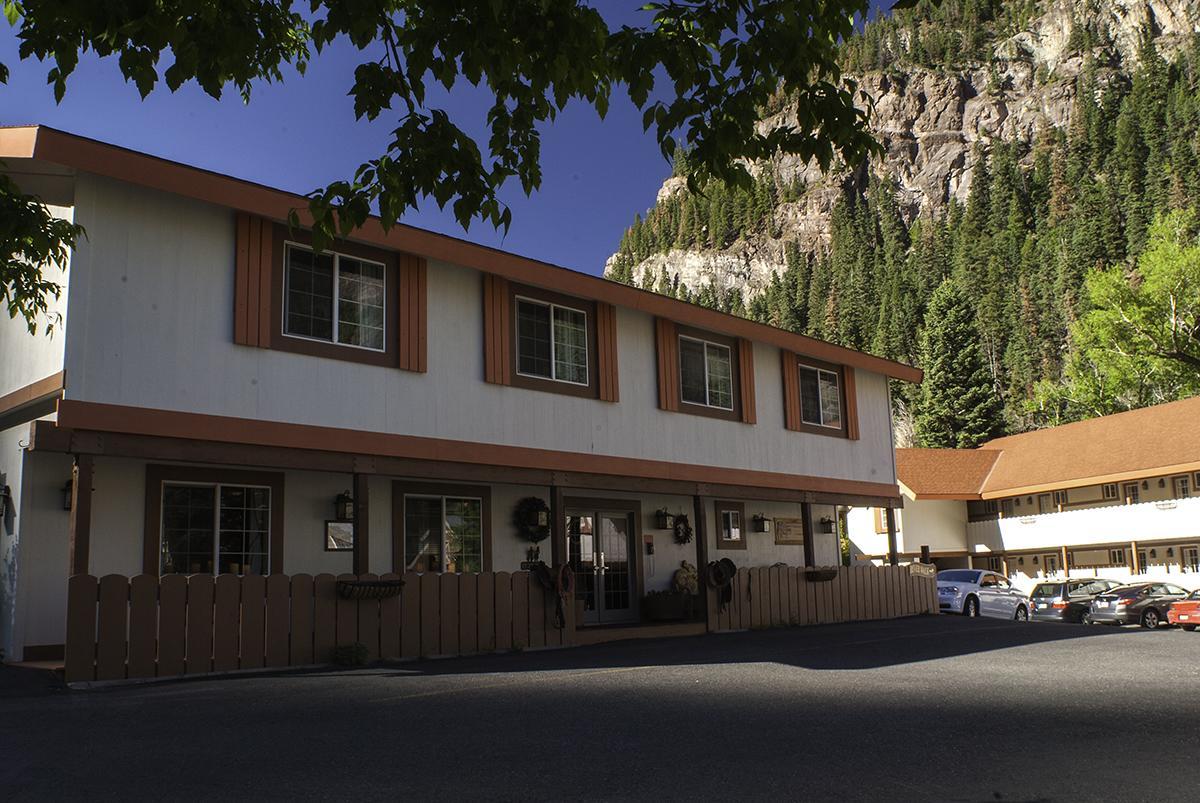 Hot Springs Inn, CO