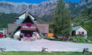Twin Peaks Lodge & Hot Springs, CO