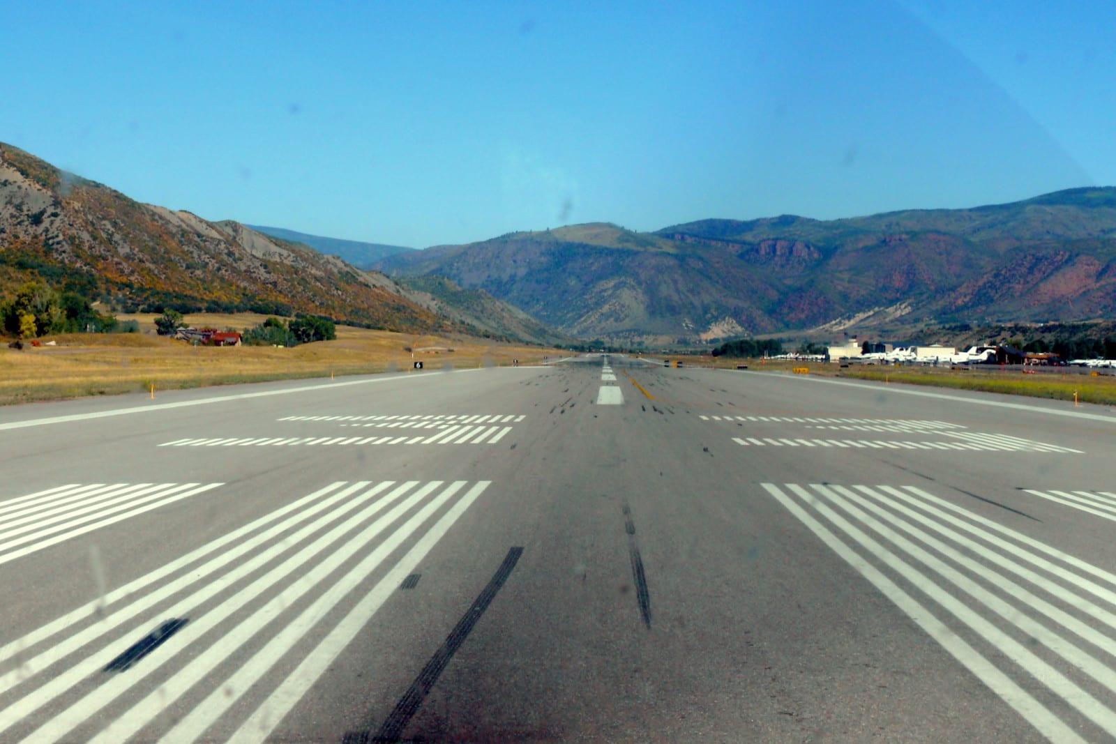 Aspen-Pitkin County Airport Runway 33