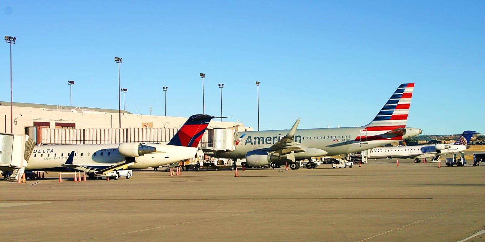Fly Far Via Colorado S 13 Commercial Airports Regional