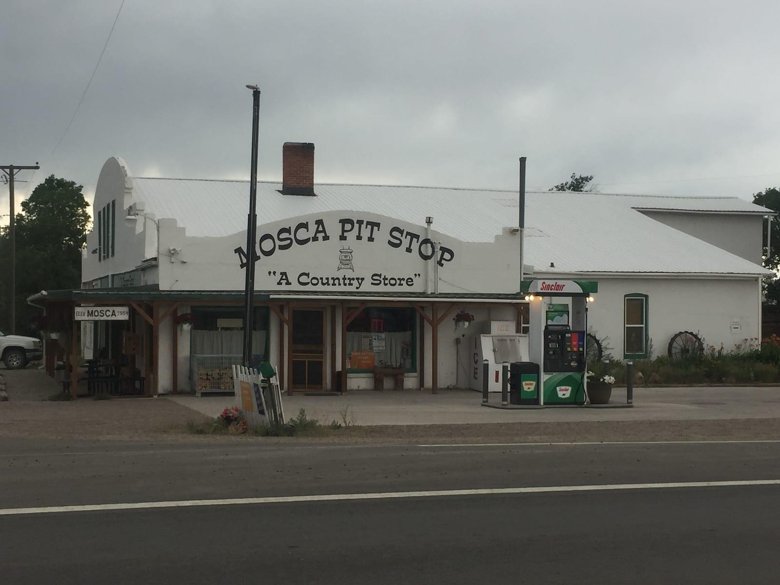 Mosca Colorado Pit Stop