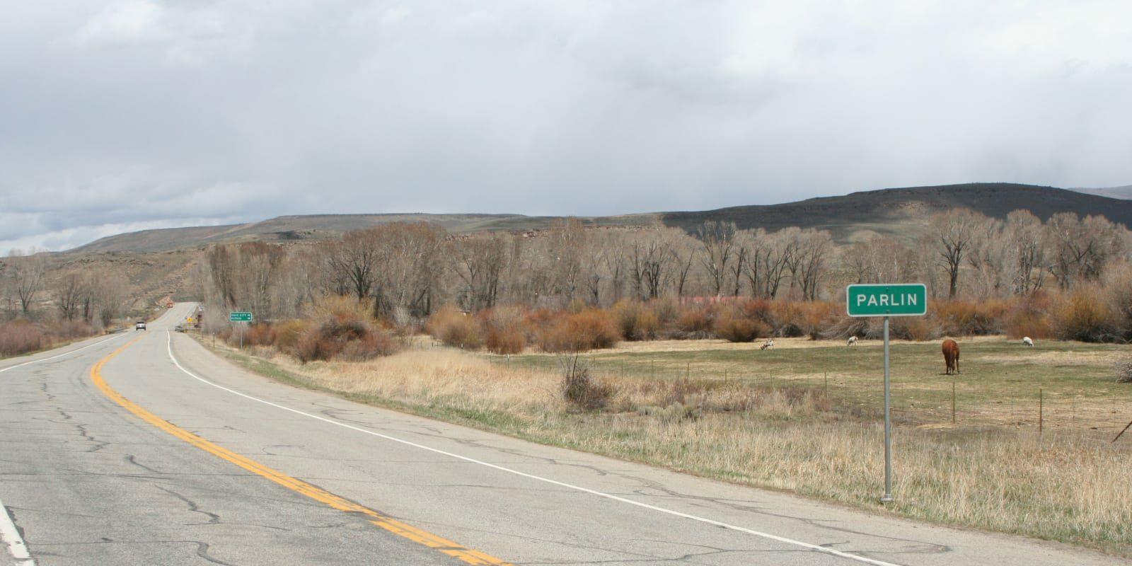 Parlin Colorado Town Limits Sign