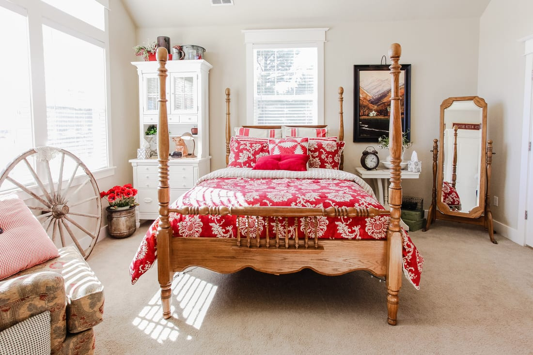Red Farmhouse Bed and Breakfast