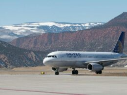 Eagle County Regional Airport Colorado United Airlines Plane