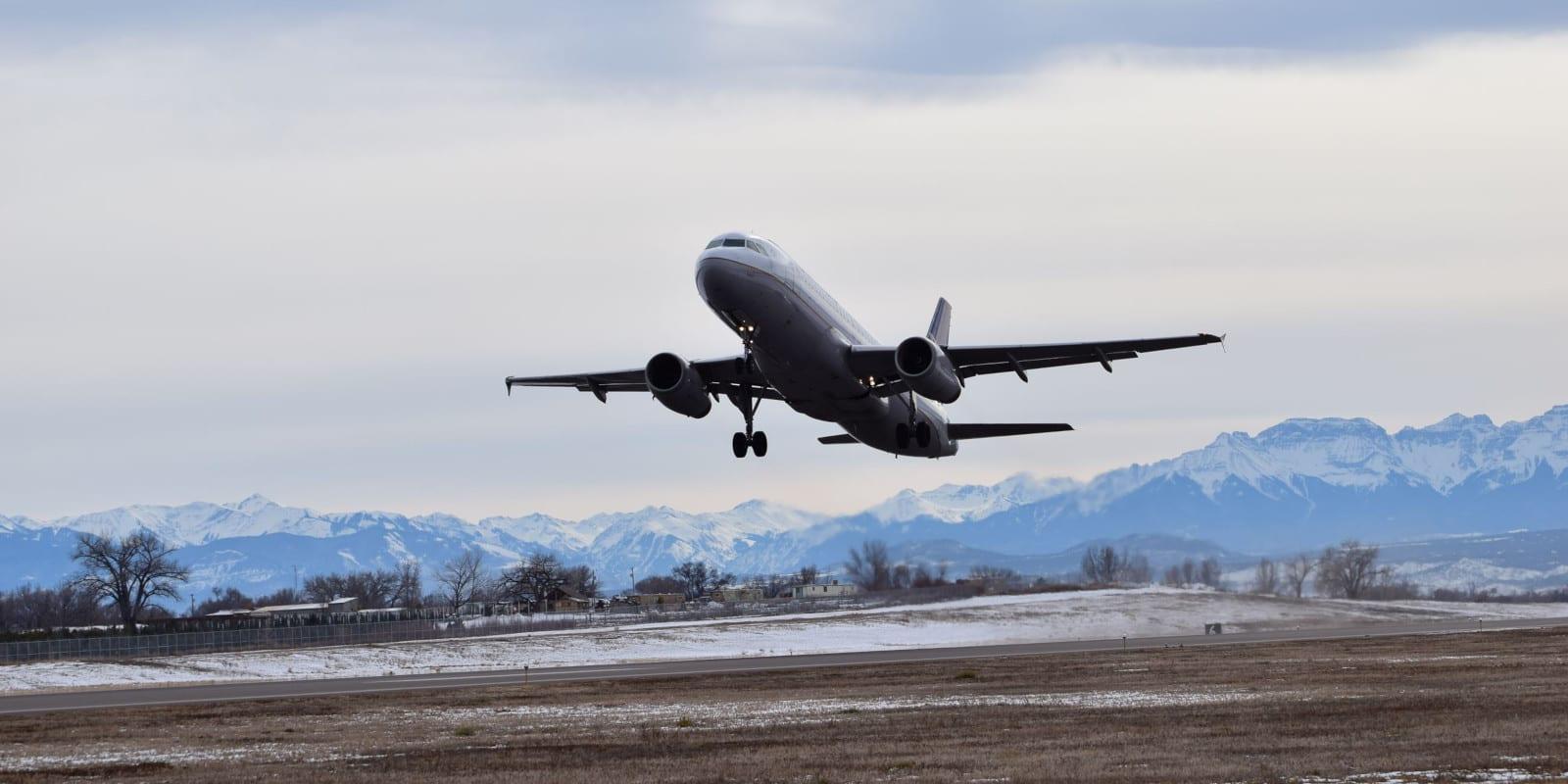 Montrose Regional Airport Departure Plane Takeoff