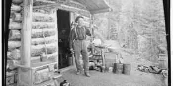 Mining History PIke's Peak Gold Rush Prospector Log Cabin