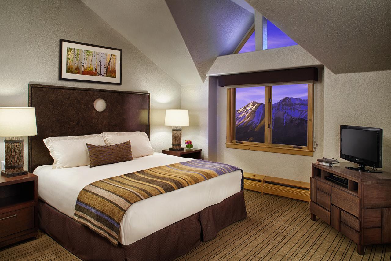 Room at Fairmont Heritage Place, Franz Klammer Lodge.