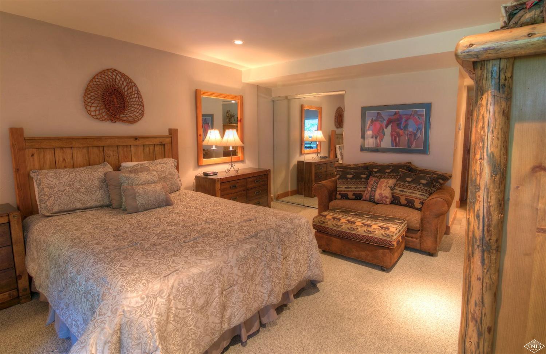Room at Fallridge.