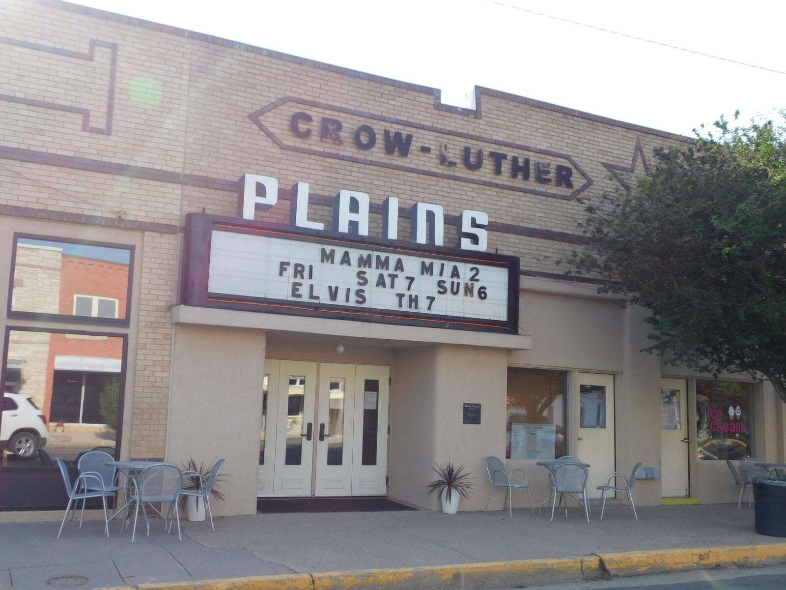 image of historic plains theatre