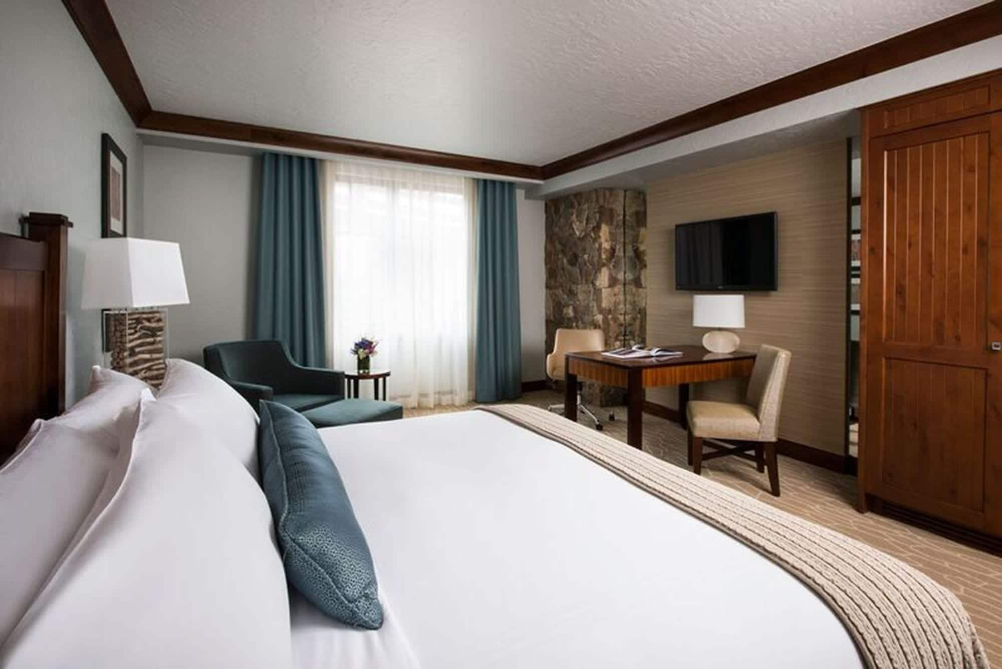 Room at The Ritz-Carlton, Bachelor Gulch.