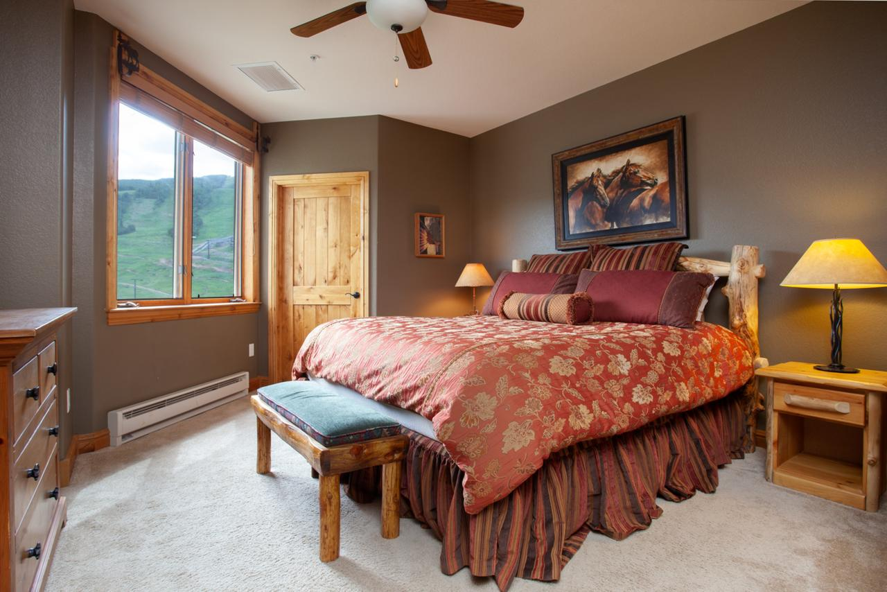 Room at Torian Plum by Resort Lodging Company.
